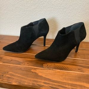8.5 Jessica Simpson Black Heeled Bootie